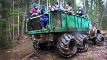 Парни веселятся на ЗИЛ 6х6 на АРОЧНЫХ колёсах, ГАЗ 66