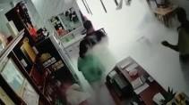 Взрыв газа в китайском ресторане попал на видео