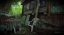 Покинутый мир заброшенный дом с решетками редкие находки