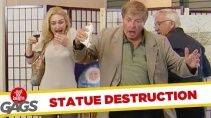 Розыгрыш со статуей в музее