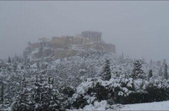 В Афинах выпал снег впервые за много лет