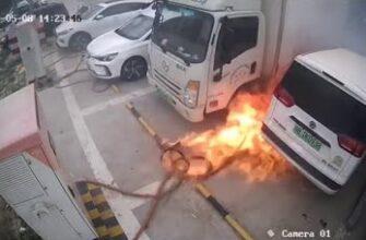Электромобиль загорелся во время зарядки в Китае