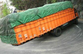 Опасные перегруженные грузовики в индии