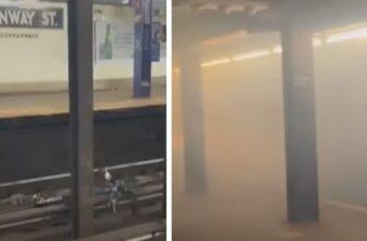 Велосипед упал на рельсы в метро