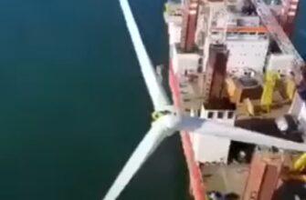 Лопасти ветряной турбины рухнули в море