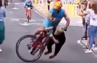 Самый неудачный финиш велогонщика